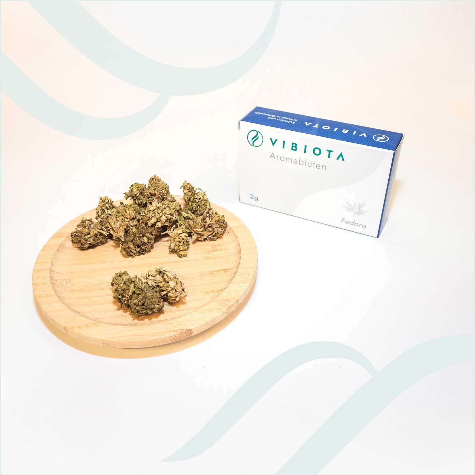 Produktfoto unserer CBD Aroma Blüten im Geschmack Fedora