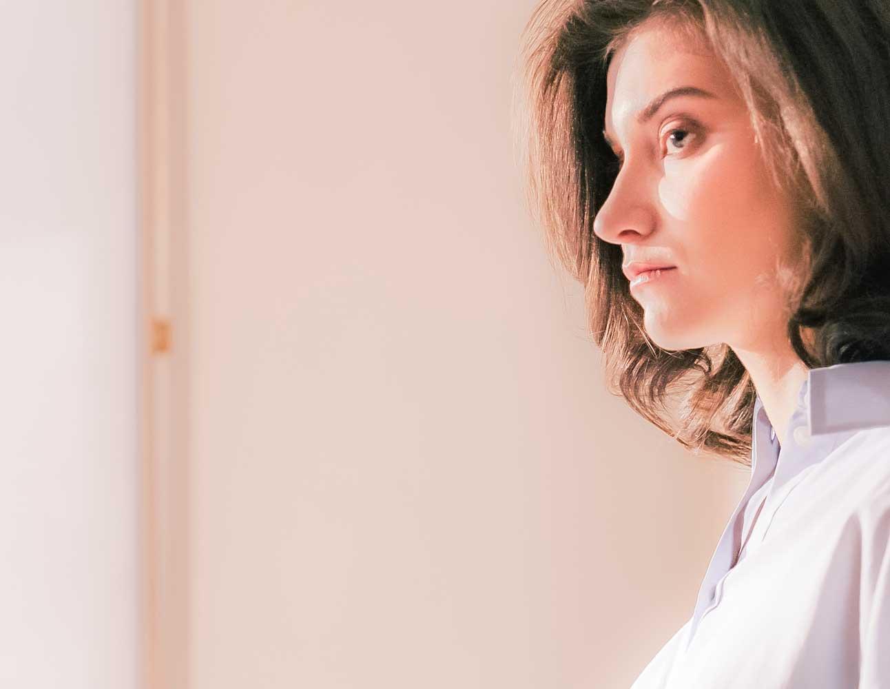 """Vibiota Blog Beitragsbild zum Thema """"Regelschmerzen und CBD"""""""
